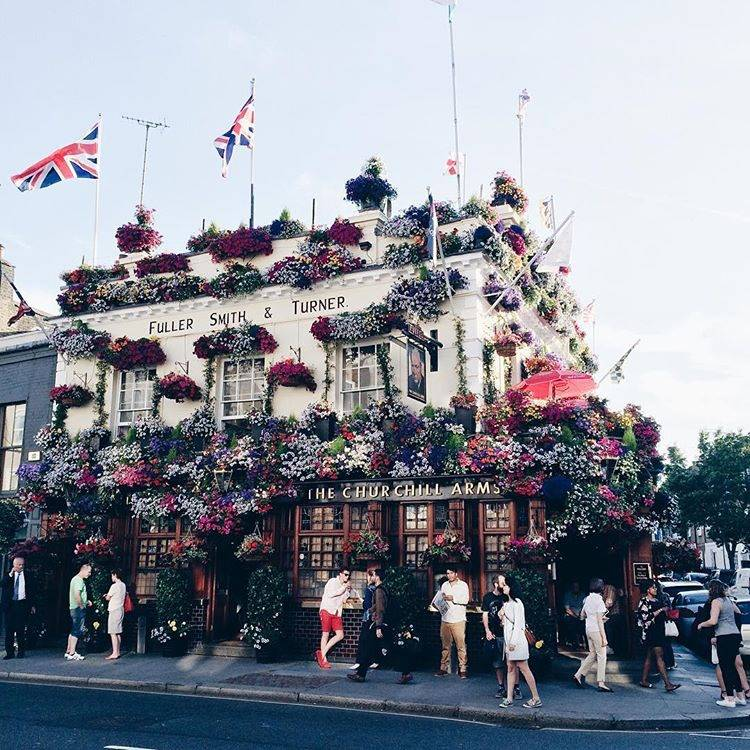 10 ideas for street photo in London - Ok But First Coffee - Churchill Arms