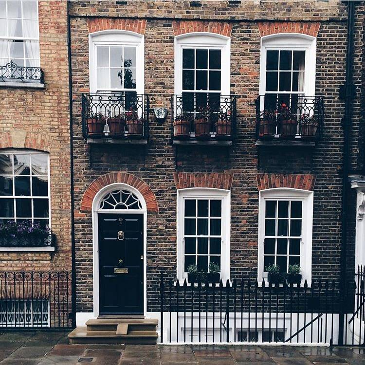 10 ideas for street photo in London - Ok But First Coffee - facade